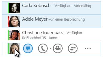 Bildschirmfoto mit Anzeige von Kontakten und deren Status sowie dem hervorgehobenen Chatsymbol