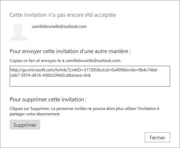 Capture d'écran de la boîte de dialogue pour une invitation en attente avec un lien à envoyer par courrier électronique et un bouton pour supprimer l'invitation